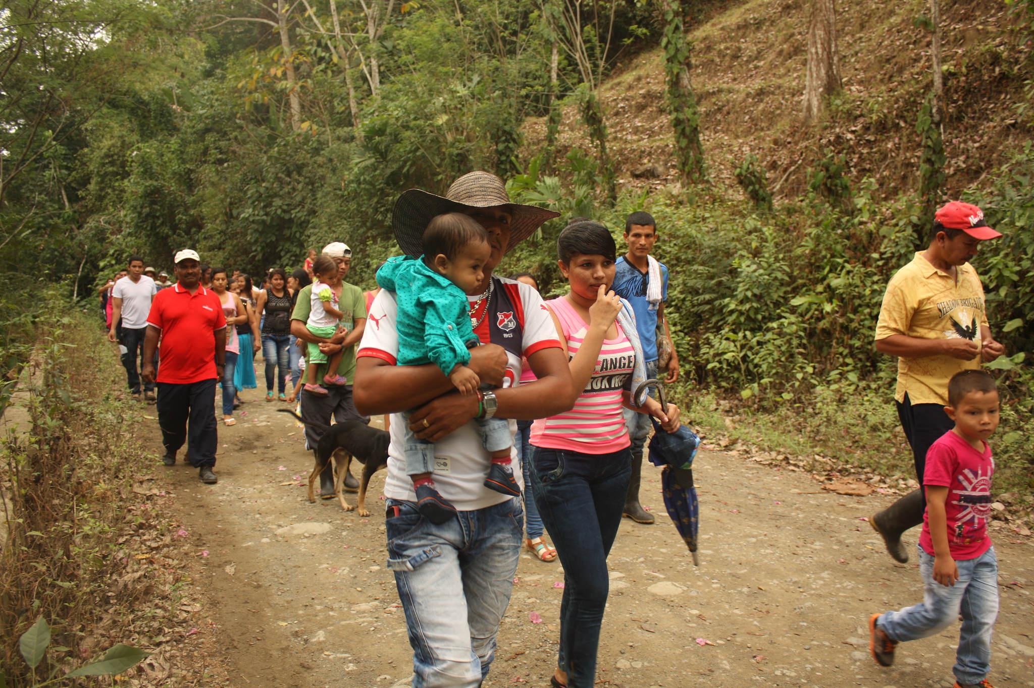 Friedensgemeinde, Kolumbien. Gemeinsam gegen die Gewalt gehen